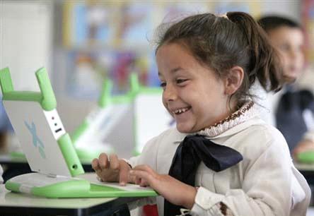 Escuela Pública en Uruguay: Pilar del éxito del Plan Ceibal