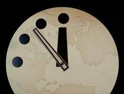 """La humanidad tiene 60 segundos más de vida: El """"Reloj del Juicio Final"""" se retrasa un minuto"""