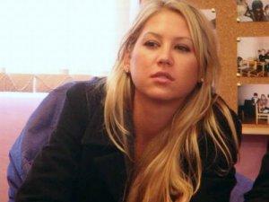 Escándalo en el tenis: Hermano de Anna Kournikova cae por la ventana y arrestan a su madre