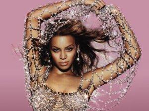 Beyoncé escoltada por 14 agentes al  llegar a Brasil