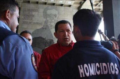 Asesinan al director de un diario en Caracas y responsabilizan a Chávez