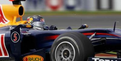 Sebastian Vettel logró la 'pole' en Australia por delante de Mark Webber y Fernando Alonso