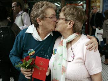 Se casaron una uruguaya y una argentina, enamoradas desde hace más de 30 años