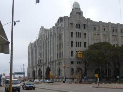 Aduanas de Uruguay se incauta de discos vírgenes y finos muebles de contrabando por 63 mil dólares