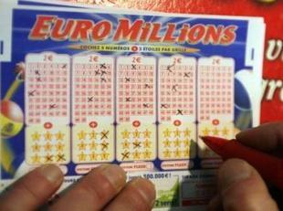Una pareja descubre tras 4 meses que ganó el mayor premio de la lotería israelí