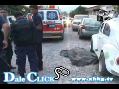 Atacan a tiros y con granadas canal de televisión en México
