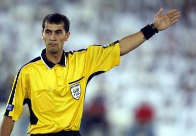 Un árbitro asiático para inauguración, primer gran debate del Mundial