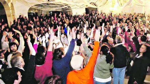 Piqueteros de Gualeguaychú liberan puente internacional entre Uruguay y Argentina después de tres años y medio de corte por Botnia