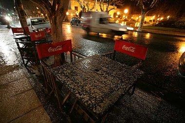 La nieve cubre de blanco el sur de Buenos Aires