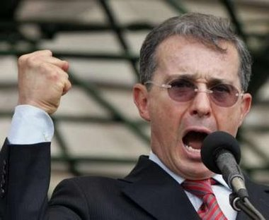 """Uribe encabeza la diplomacia siniestra"""
