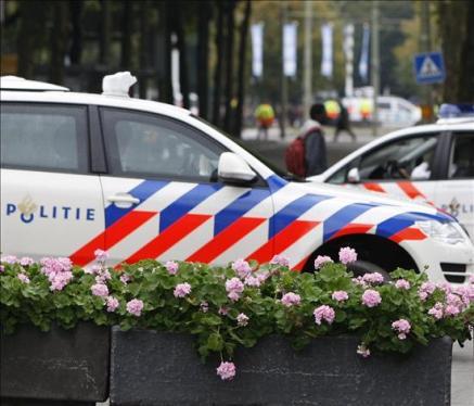 Holanda estremecida: Buscan al padre de los 4 bebés hallados muertos y escondidos en maletas