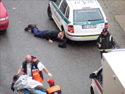 Pavor en Eslovaquia: Un adolescente mata a tiros a seis personas, hiere a otras catorce y se suicida
