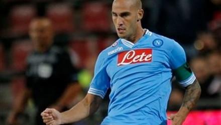 Ganó el Napoli de Cavani y alcanzó al líder Juventus