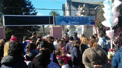 """Intendencia clausuró """"Hielópolis"""" en la Rural del Prado ante quejas y críticas de visitantes"""