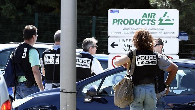 Atentado contra una fábrica en Francia deja un muerto y varios heridos