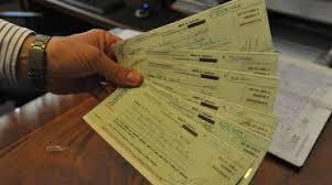 Inundaron Pocitos con cheques robados por más de medio millón de dólares