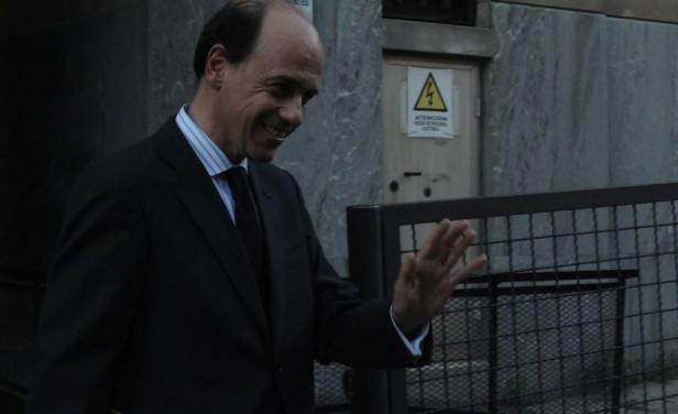 Sin el pan y sin la torta: Justicia rechazó demanda de 2 millones de dólares del exabogado de López Mena