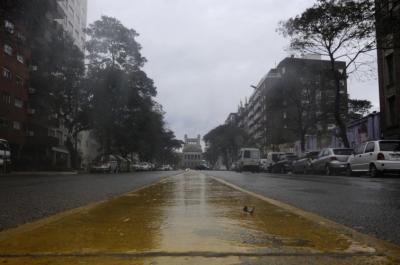 Solo el 17% de los trabajadores se adhirió al paro general en Uruguay, según Equipos Consultores