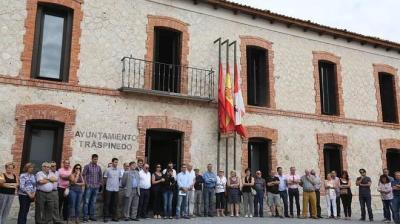 Pueblo español de duelo por muerte de concejal corneado