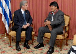 Tabaré Vázquez y Evo Morales son los presidentes más populares de Latinoamérica