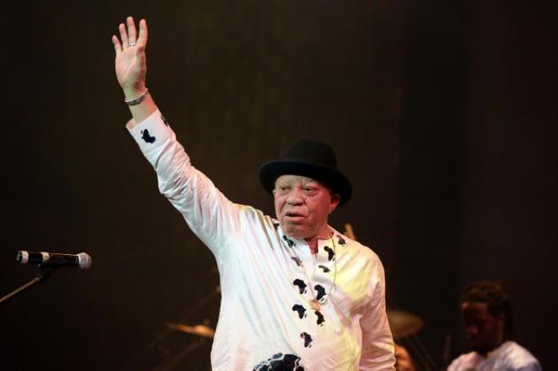 El famoso cantante Salif Keita denuncia los ataques contra albinos en África
