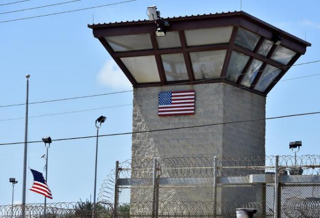 """La mitad de los presos de Guantánamo permanecerán allí """"indefinidamente"""""""