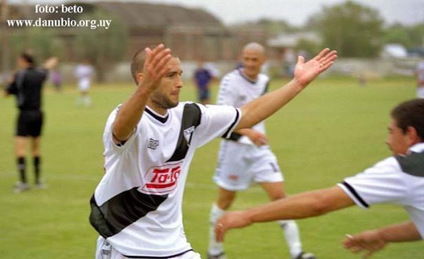 Hallan sin vida en aguas del río Paraná al ex jugador de Danubio Carlos Barrionuevo