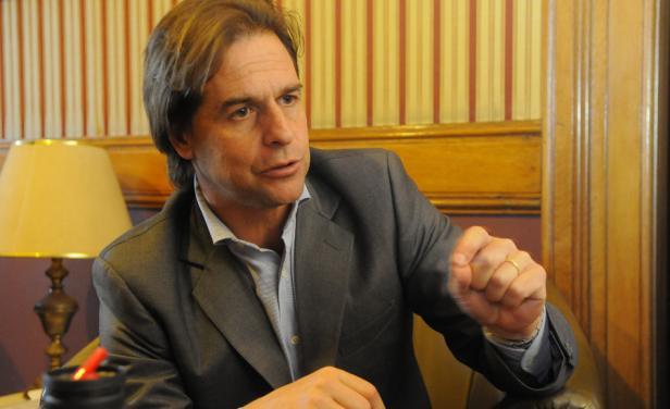 """""""Queda claro que Vázquez no manda, que no ejerce la autoridad"""", dijo Luis Lacalle Pou"""