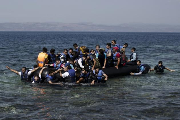 13 muertos al chocar un barco de inmigrantes con un ferry en aguas turcas
