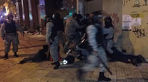 Incidentes en desalojo de estudiantes del Codicen: represión, pedreas, detenidos y heridos