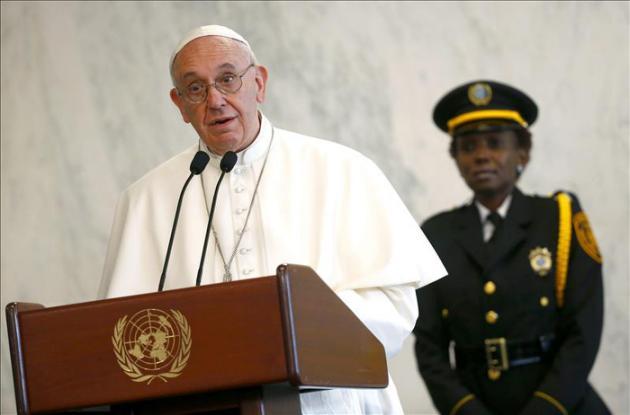 """El papa Francisco pide la """"total prohibición"""" de las armas nucleares"""