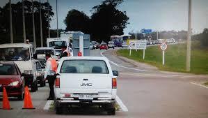 Uruguayos hacen kilómetros de cola para comprar del lado brasileño