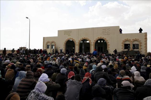 11 muertos al naufragar un barco con migrantes en Egipto