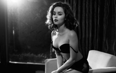 """Actriz de """"Game of Thrones, la """"Mujer Más Sexy del Mundo"""" se manda audaz portada"""