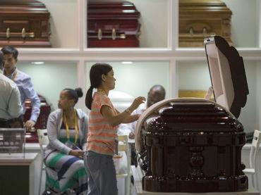 Detienen a tres chinos por vender un cadáver para 'boda fantasma'