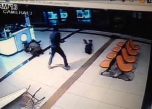 Un palestino de 19 años mató a un soldado y apuñaló a 11 israelíes