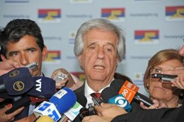 Tabaré Vázquez calificó de ejemplares las elecciones en Venezuela