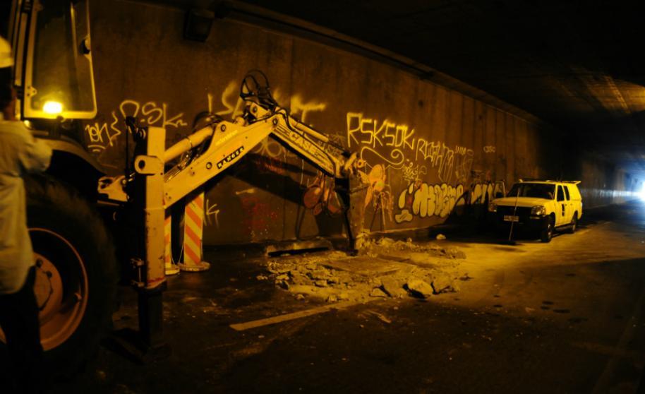 Tránsito cortado en el túnel de 8 de Octubre por tareas de limpieza