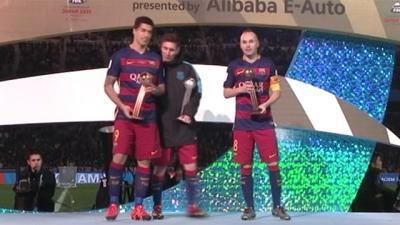 El gesto de Leo Messi con Luis Suárez en el podio del Mundial de Clubes