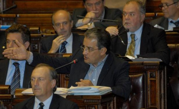 Recuperado, Senador José Carlos Cardoso agradeció por Facebook los mensajes de apoyo
