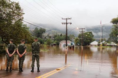 Calamidad: 5.000 evacuados y río Uruguay a punto de alcanzar máximo histórico