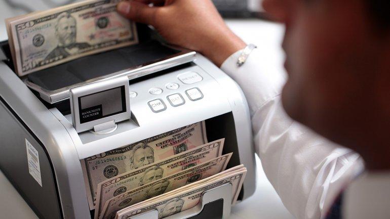 Bloomberg predice un aumento récord del dólar en 2016