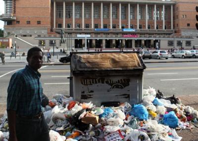 """Se normalizará recolección de basura en Montevideo: Ejército saldrá sólo si es """"imprescindible"""""""
