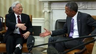 Qué busca EE.UU. al venderle armas a Vietnam, su antiguo enemigo comunista
