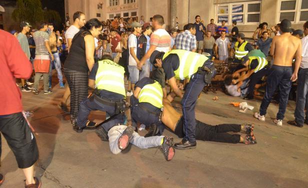 Disturbios, heridos y 19 detenidos en Desfile de Llamadas de Durazno