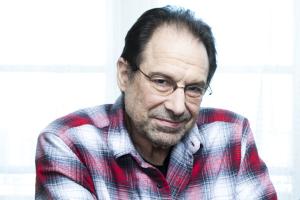 Premiado guionista de Hollywood pierde su fortuna de US$100 millones por apuestas