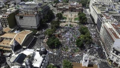 50 mil personas coparon Plaza de Mayo en rechazo a las políticas de Macri