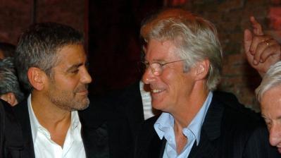 """George Clooney y Richard Gere destrozaron a Donald Trump: """"Es un xenófobo fascista"""""""