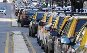 Hasta este jueves a las cuatro de la tarde no habrá taxis por trabajador tiroteado