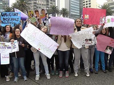 Fanáticos de Justin Bieber reclaman show en Uruguay